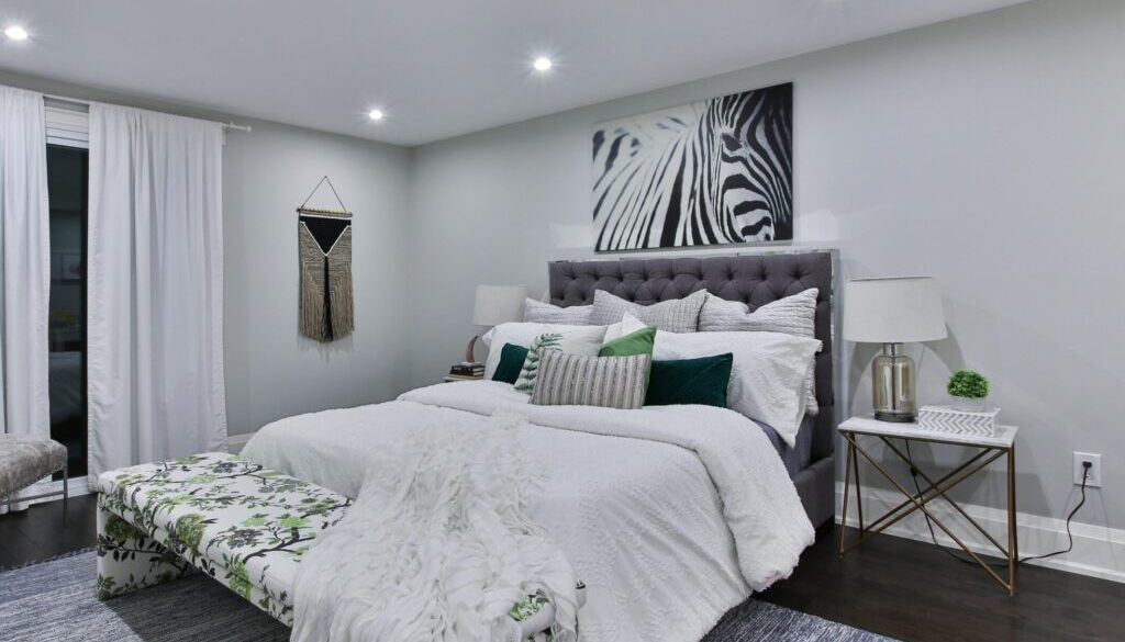 photo of bed room